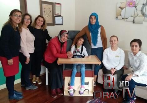 ENGELLİ BUSE'YE ÖZEL SANDALYE