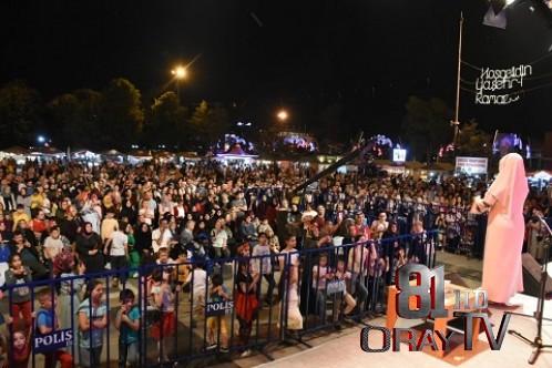 İKBAL GÜRPINAR RAMAZAN ETKİNLİKLERİNDE DÜZCE'LİLERLE BULUŞTU
