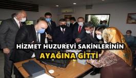 HİZMET HUZUREVİ SAKİNLERİNİN AYAĞINA...
