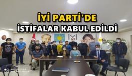 İYİ PARTİDE İSTİFALAR KABUL EDİLDİ