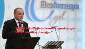 BAKAN ÖZLÜ'YE ÖDÜL
