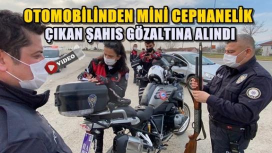 İHBAR İÇİN MAHALLEYE GELEN POLİSLER, MİNİK POLİSİ GÖRÜNCE TEBESSÜM ETTİ