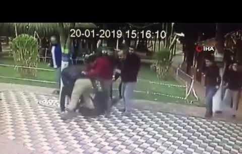 Genç Kıza Laf Atıp, Erkek Arkadaşını Döven Saldırganlar Serbest